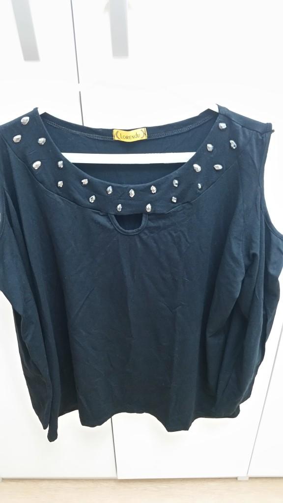 Blusa com ombro vazado e pedrinhas: R$ 25,00