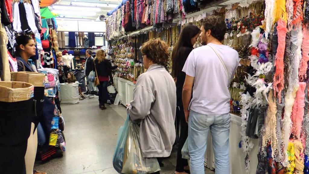 Para ilustrar, esse é o Shopping Azulão por dentro. Fonte: Google Imagens