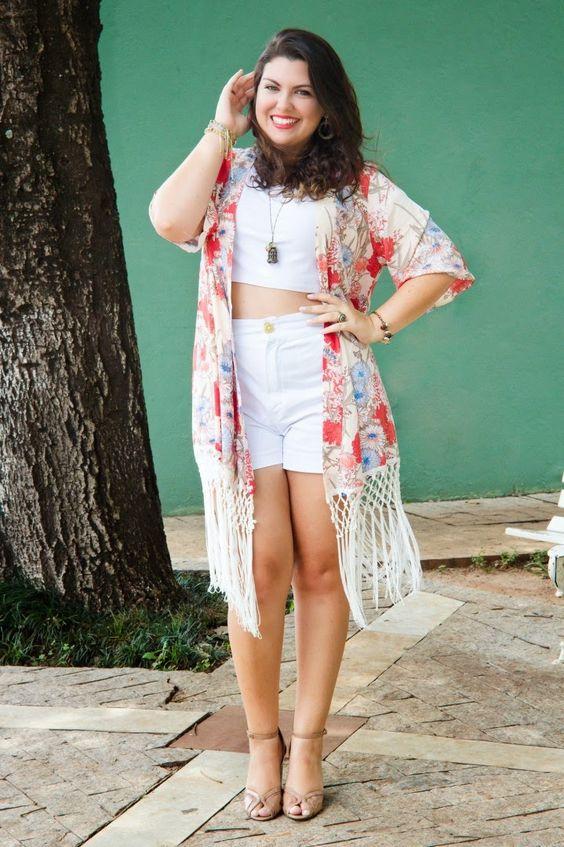 A Marina do blog Maggnificas fez um look de um só cor e jogou o kimono estampado por cima. Arrasou!